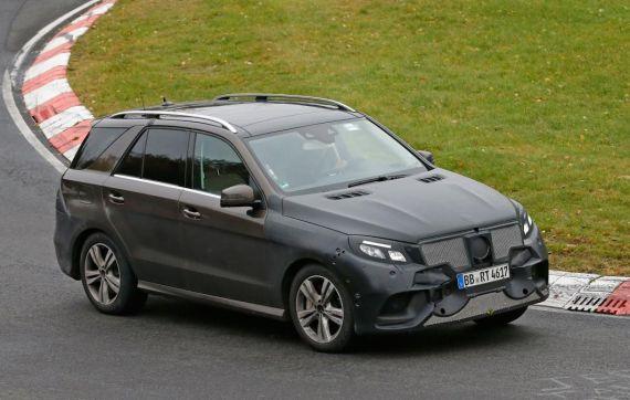 Mercedes-Benz GLE Plug-in Hybrid Spy 03