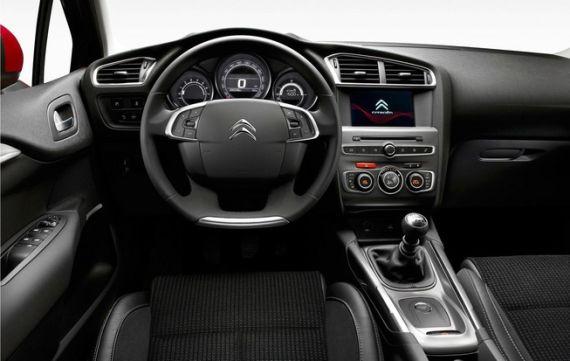 2015 Citroen C4 03