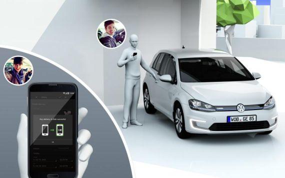Volkswagen Connected Golf Concept 03