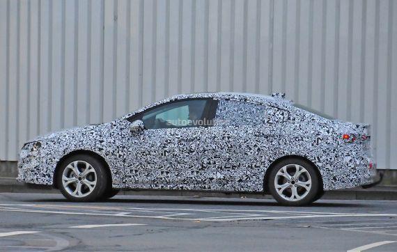 Opel Astra Sedan spy 04