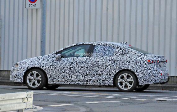 Opel Astra Sedan spy 05