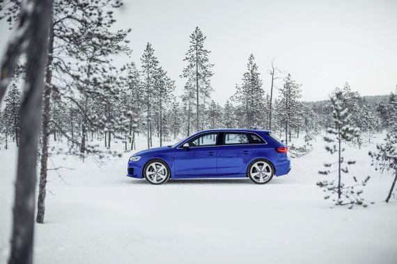 Audi RS3 Sportback in Sepang Blue _20