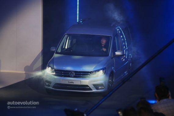 Volkswagen Caddy Live 01