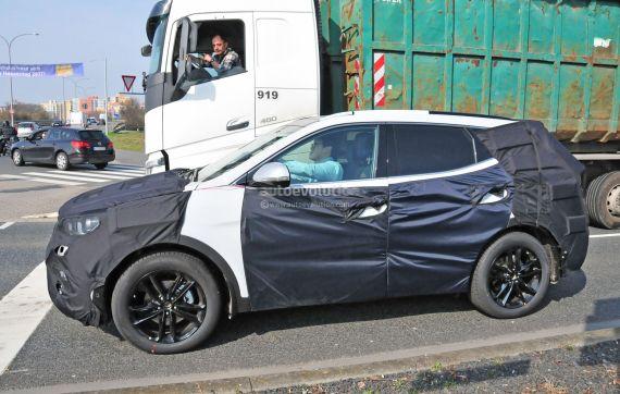 Hyundai Santa Fe facelift spy 04