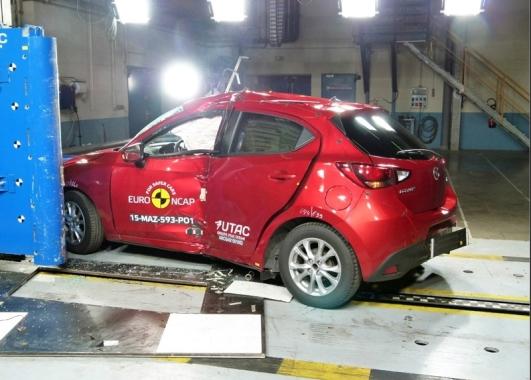 Mazda 2 EuroNCAP 05