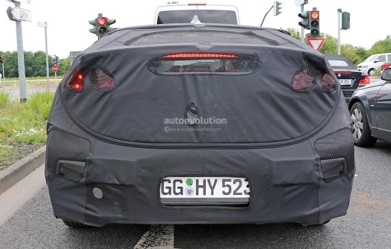 Hyundai Prius Spy 07