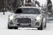 视频:新梅赛德斯-奔驰AMG GT全伪冰雪路试