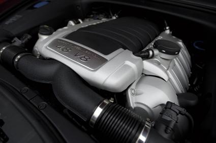保时捷卡宴GTS发动机图片