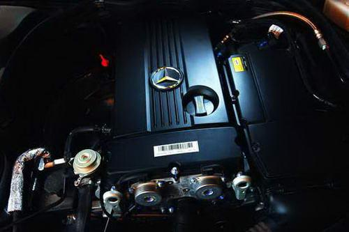 奔驰C200K发动机图片