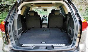 超大车身保证了其内部超大空间。