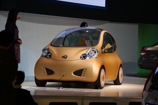 图为日产Nuvu概念车