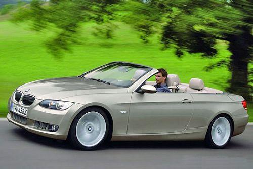 图为 BMW3系轿车