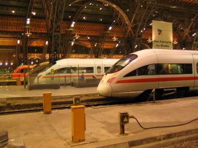 德国的火车以准时,方便