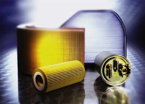 其作用是滤除发动机燃油气系统中的有害颗粒和水份,以保护油泵油嘴