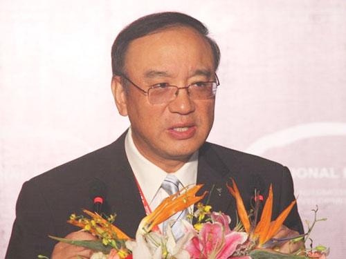 陈建国:要在传统技术基础上发展新能源汽车