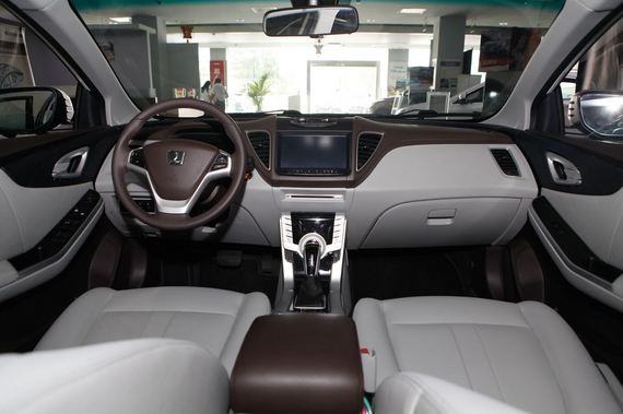 2014款纳智捷 5 Sedan荣耀导航版 1.8T自动尊贵型