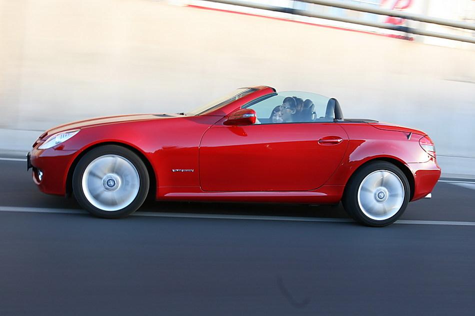 梅赛德斯-奔驰SLK200动态外观图片