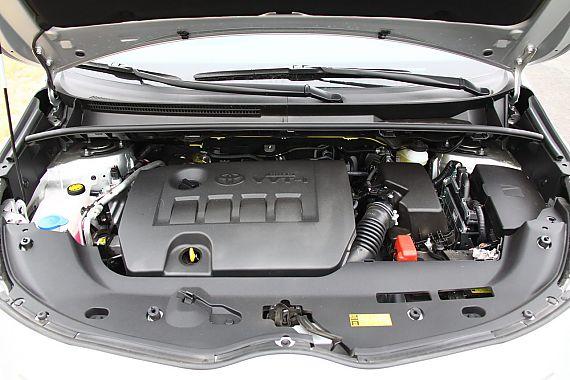 2011款丰田逸致引擎与底盘