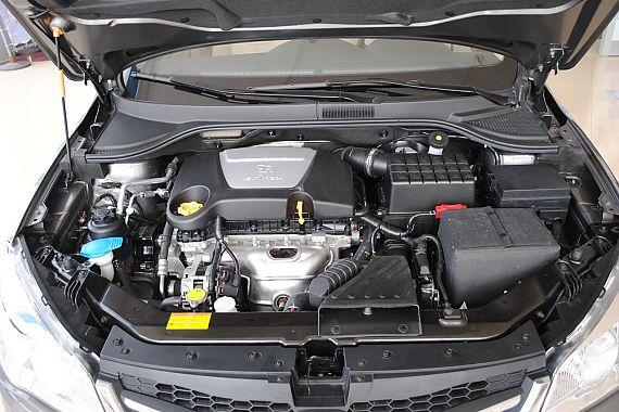 发动机、底盘悬挂及后备箱