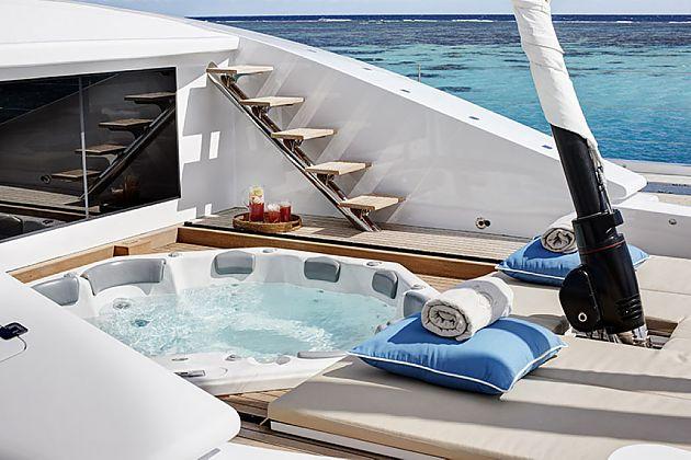 体验甲板乐趣 Quintessential双体船