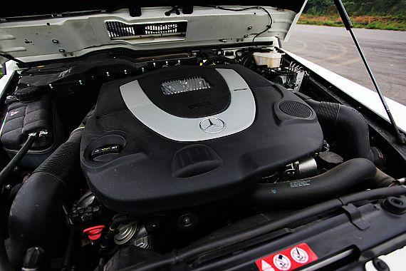 奔驰G500引擎图片