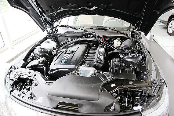 宝马Z4 sDrive23i引擎图片