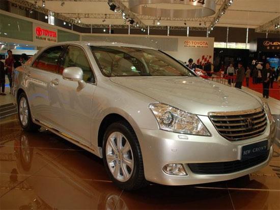 2010款皇冠优惠高达3.5万元现车充足