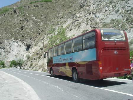 海格安全之旅由成都向汶川进发-山高路陡检验苏州金龙海格客车安全性高清图片