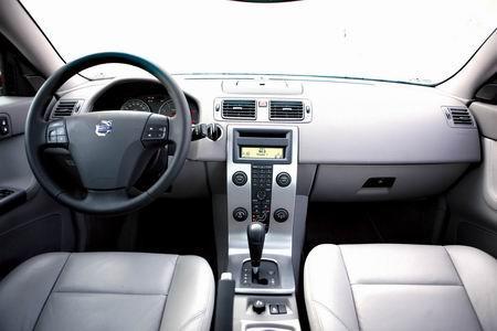S40的清闲内饰是一大亮点,甚至能够激发消费冲动