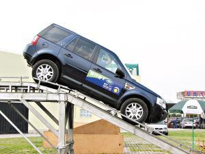陡坡释放控制系统和HDC陡坡缓降系统让驾驶者在陡坡上更为从容。