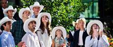 威廉王子夫妇欢庆牛仔节