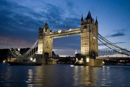 英国边境管理局:英国签证申请审理延迟