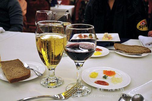 格瓦斯与红酒