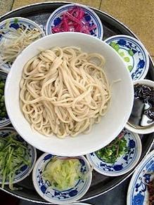 海碗居老北京炸酱面 气氛就京味