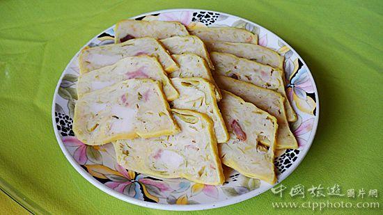 忻州蒸肉,以小麦、土豆混和猪肉制成 (马耀俊摄)