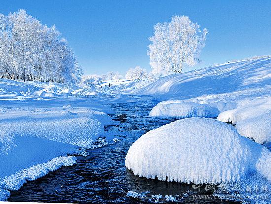 新浪旅游配图:小河头景区有一条永不结冰的不冻河 (张树文摄) 来源:《中国旅游》杂志