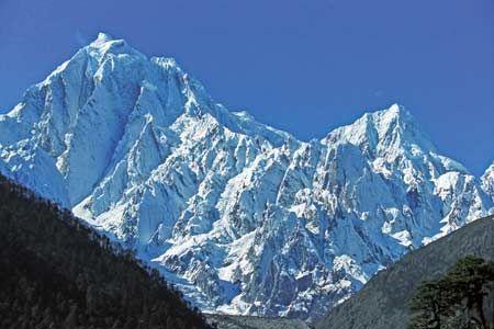 加拉白磊雪峰  这段徒步路途还有一处让我最难忘的地方,便是加拉白垒