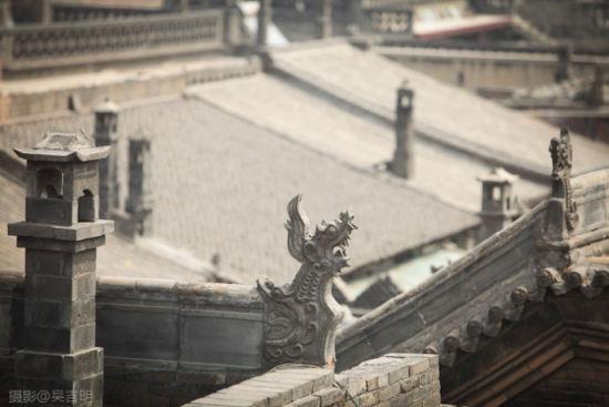 屋檐上的雕饰