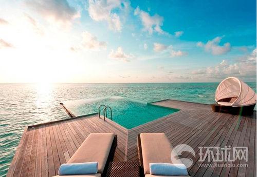 马尔代夫港丽度假酒店只有搭乘直升飞机才能到达