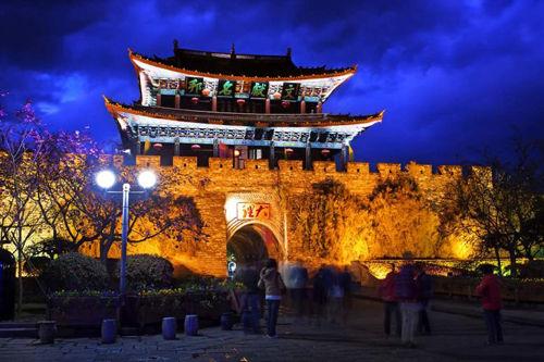 新浪旅游配图:古城夜色 摄影:快乐人生