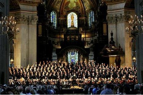 伦敦市艺术节期间,伦敦交响乐团在圣保罗大教堂倾情献艺