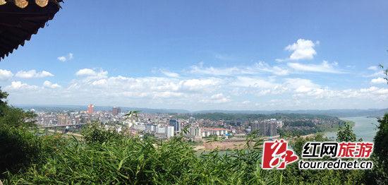 沅陵全景,站在凤凰山巅俯视全城。