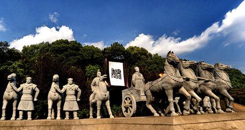 三国人物雕塑群