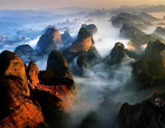 山势雄伟险峻,堪称一绝 图片来源:云水散人 新浪博客