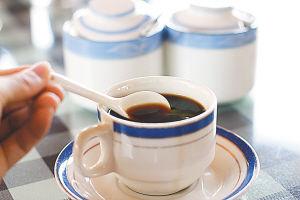 风味浓郁的海南咖啡黑。 张茂 摄