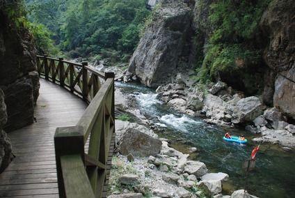 南江大峡谷栈道(图片来源:微图)
