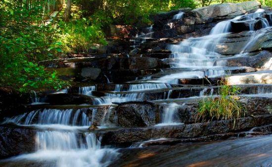 溪流潭瀑,雾灵秀水