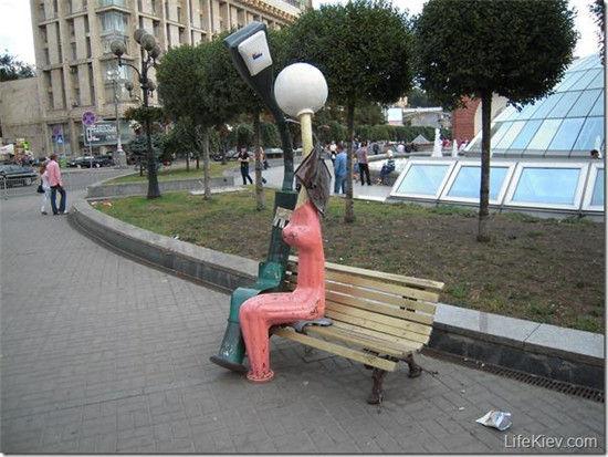爱情灯雕塑