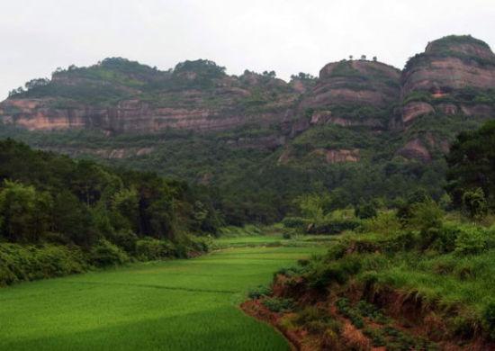 亚洲 中国 广西 梧州 正文    石表山休闲旅游风景区按国家aaaa级景区