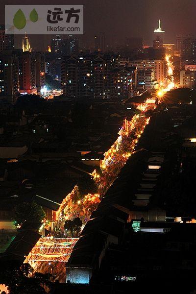 夜里的南后街依然灯火辉煌 作者:阿毅